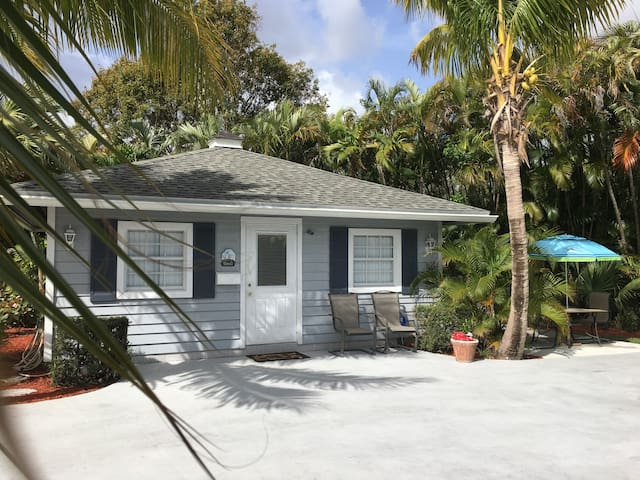 Key West Beach House Palm Beach Gardens - Palm Beach Gardens - Guesthouse