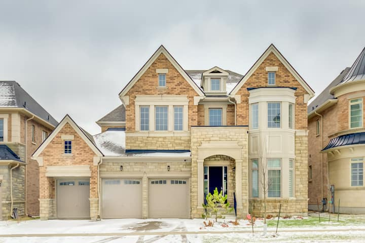 Luxury 5BDR House in Vaughan