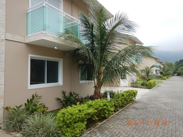 MARESIAS - Casa com 3 suítes a 150m da praia
