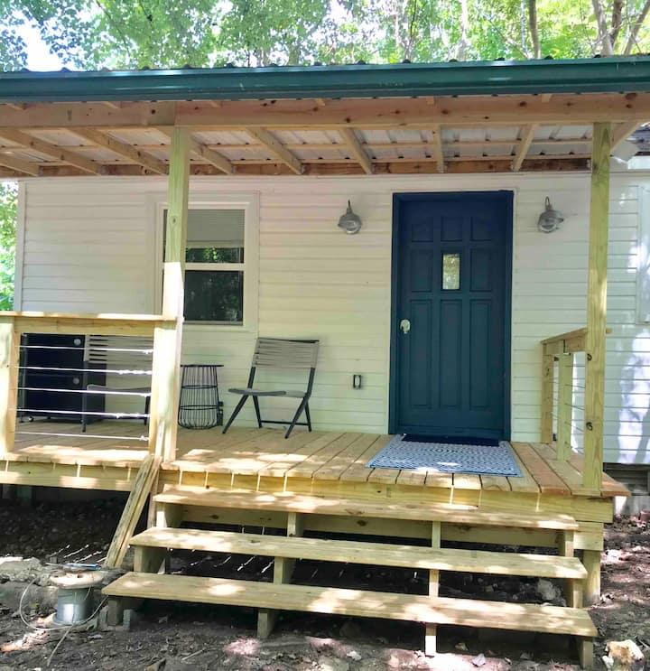 The Artist's Little House-1 hour from Nashville