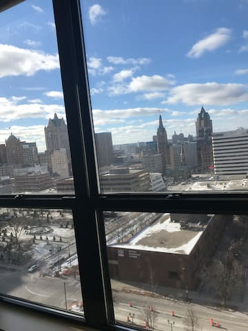Luxury Apartment Downtown Milwaukee East Side