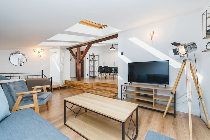 Unique Loft | Old Town Main Square | A/C