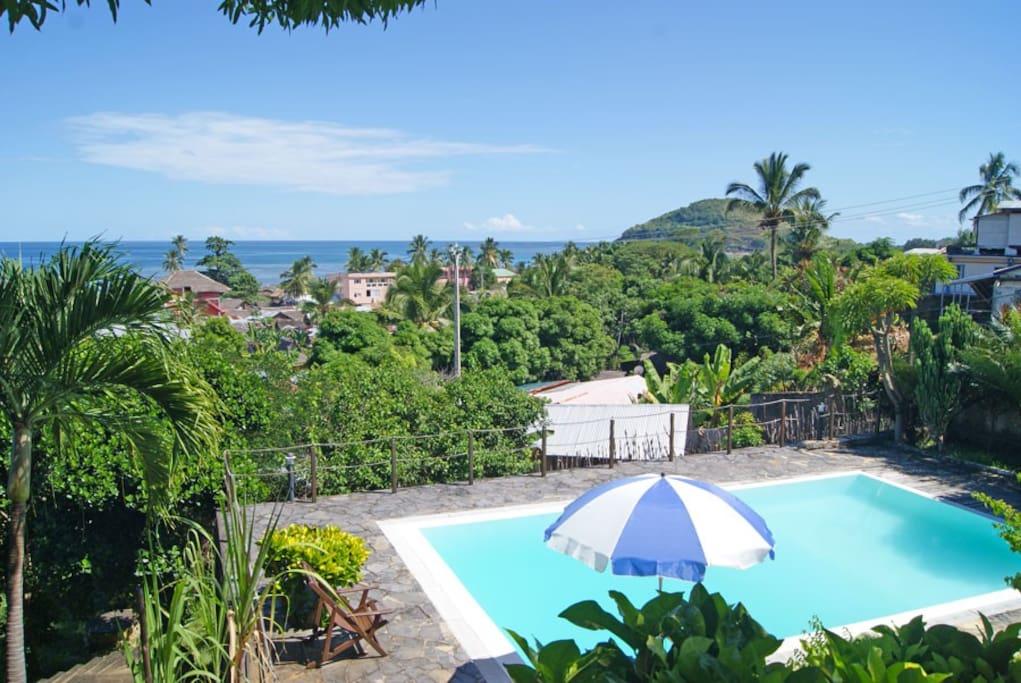 Villa razambe avec piscine priv e villas louer nosy for Villa privee avec piscine