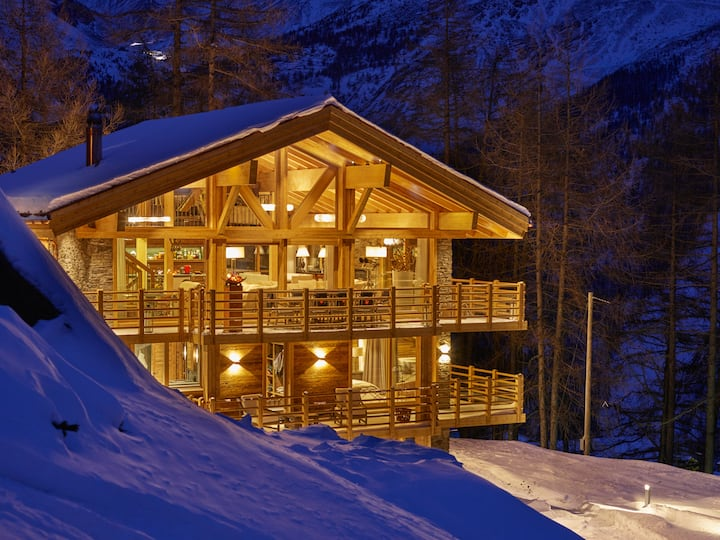 Chalet Annapurna - Fully Catered, 5 Star Luxury