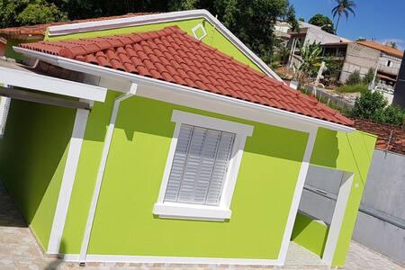 Casa Agradável e Bem Localizada em Serra Negra.