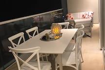 mesa de comedor en terraza