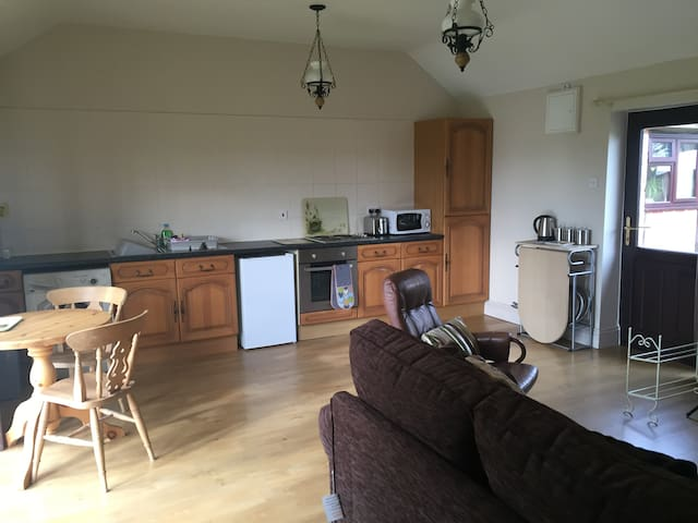 Fully Furnished Comfortable Holiday Cottage