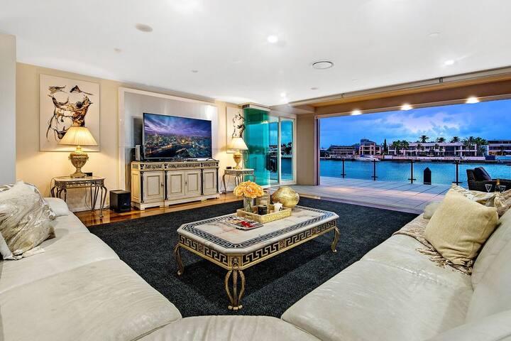 Stunning 4.5 Million Dollar Dream Mansion in Surfers Paradise