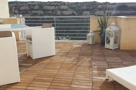 Apartment with exceptional sea and cliff views - Munxar - Apartment - 1