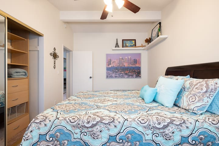 Large Private Master Suite Biz Traveler Friendly