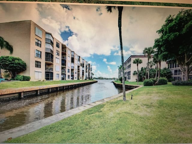 Beautiful Condo on the Intracoastal
