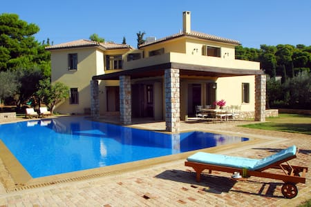 villa Mare Sole in Costa, large pool, view Spetses - Kosta - Rumah