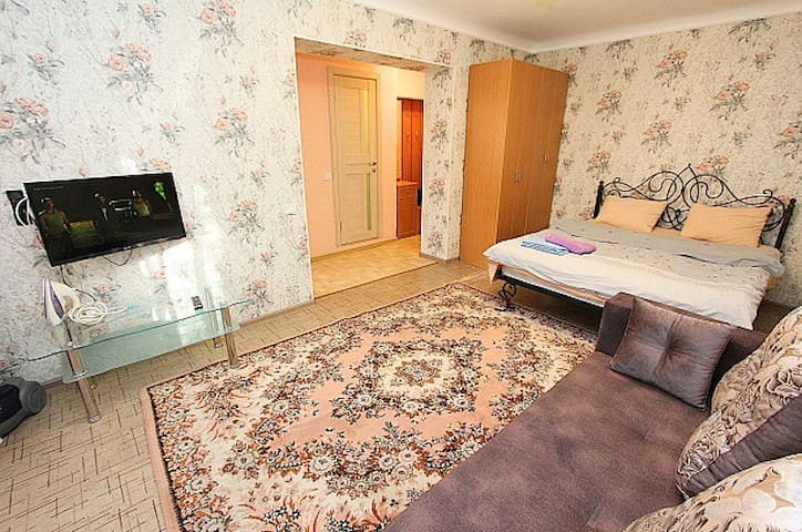33. Cozy apartment at Kunaev str