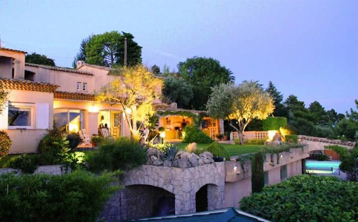 Magnificent villa nr Nice, sea view, pool, jacuzzi