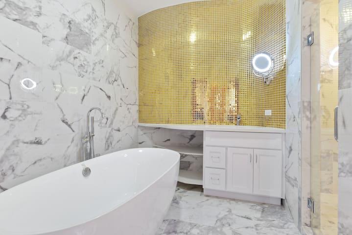 Beautiful Upstairs Bath