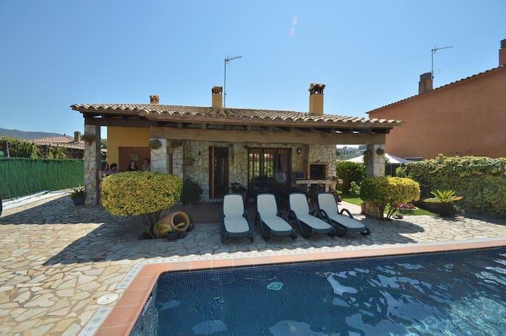 Villa Mas Ambros (6 persoons) omgeving: Calonge - Calonge - Villa