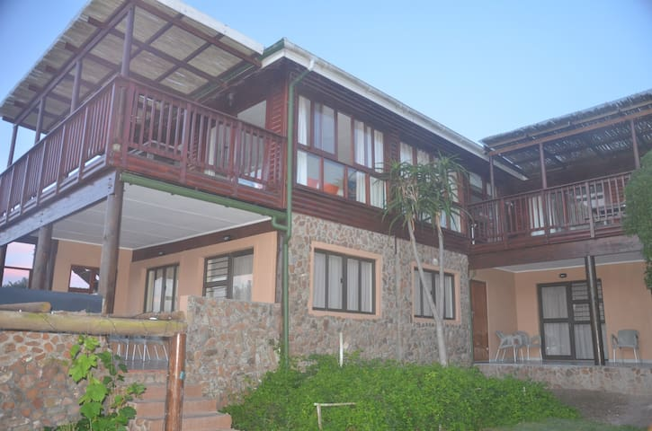 Oyster Kaya @ Oyster Bay Apartment Chokka