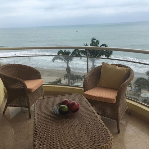 Beautiful beach view apartment for up to 11 people - Tonsupa - Apartemen
