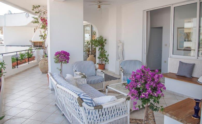 Casa Bianca - Good Living