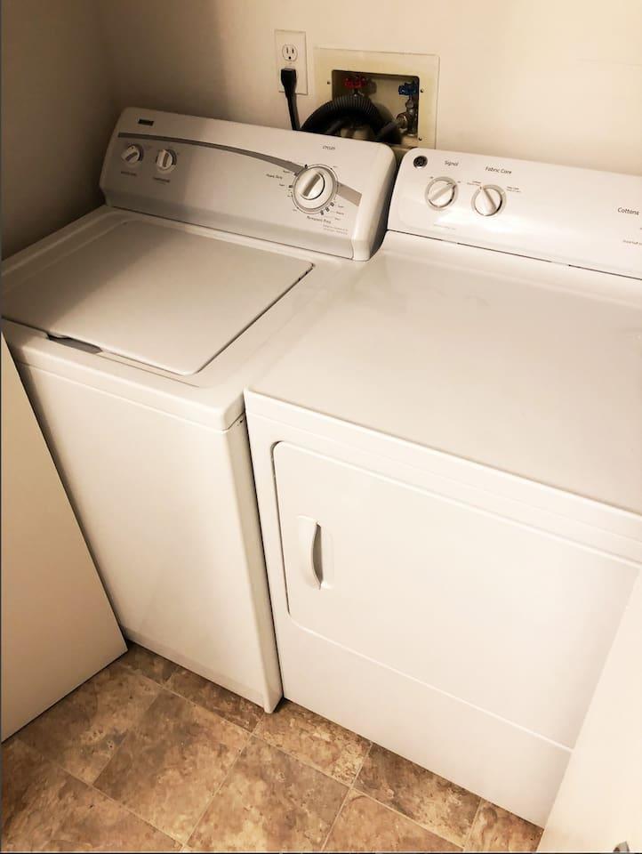 Laundry/Dryer