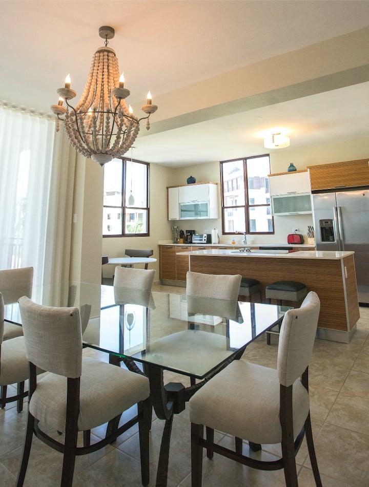 Great Views Luxury 3 Bedroom Condo at Solarea Beach Resort