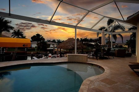 Villa Annibel - Resort Style Living - Cape Coral