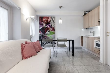 BROLETTO - 5 minutes from Duomo - Milano - Apartment