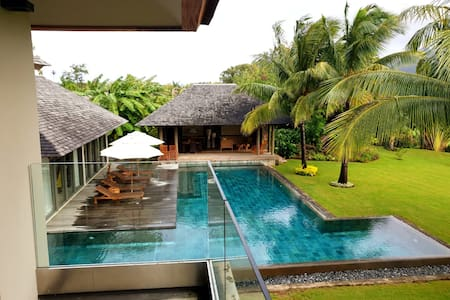 Private and luxurious villa in Anahita