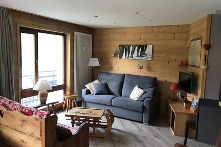 Large 4 * apartment very bright near the slopes