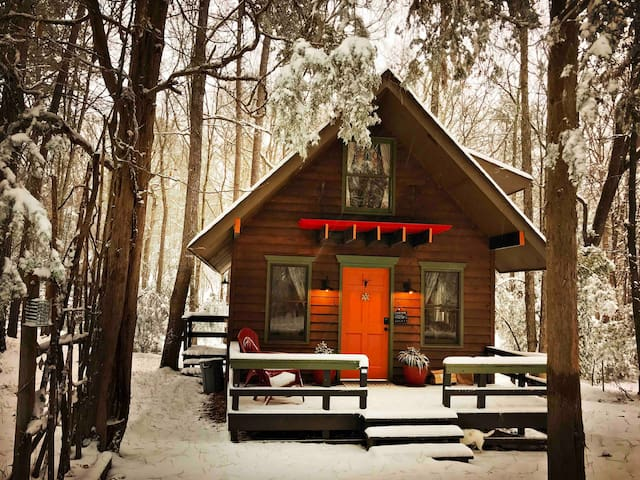 Perfect snowy cabin, complete with fireplace and lots of fluffy blankets!