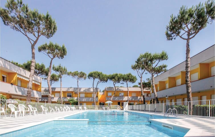 Holiday apartment with 1 bedroom on 32m² in Rosolina Mare RO