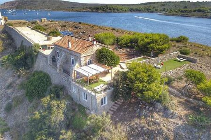 Isla privada: 2 Suites Sargantanas, Fornells.