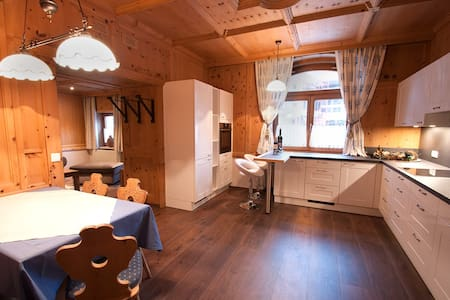 Double room in the heart of Tirolean Mountains
