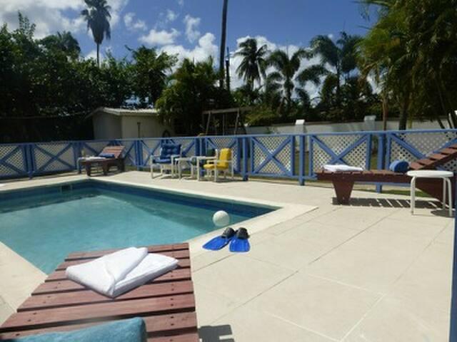 3 Bedroom West Coast villa with pool - Holetown - วิลล่า