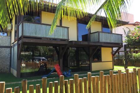 Casa na praia, 6 quartos e piscina! - Casa