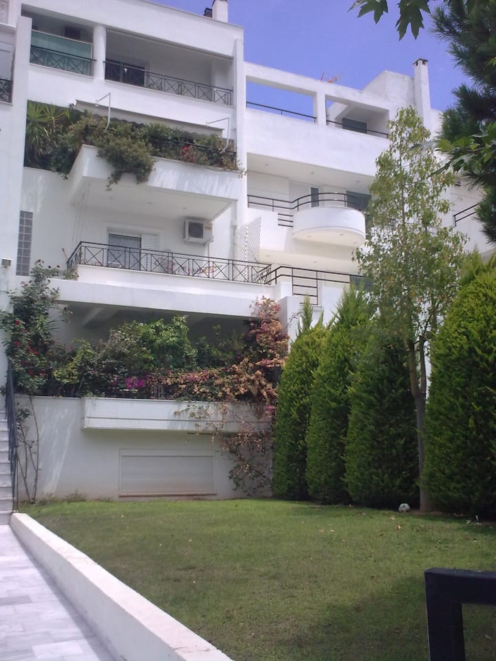 Flat & Parking in Vrilissia  Athens
