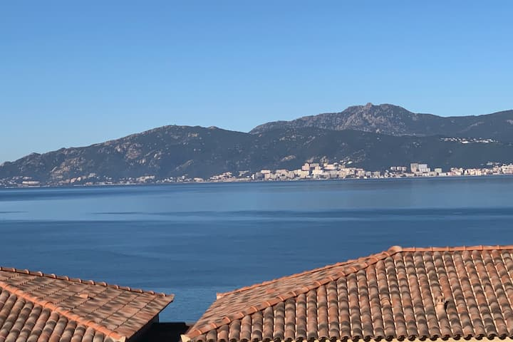 Appartement au calme avec vue mer panoramique