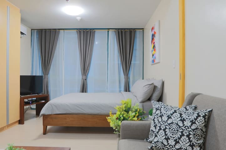 BRAND NEW! Near Uptown Mall BGC + NETFLIX + Washer