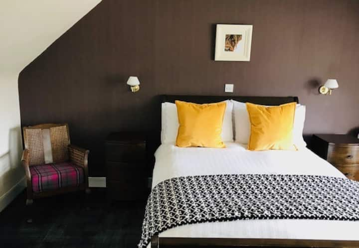 Double Ensuite with Castle View @ Invershin Hotel