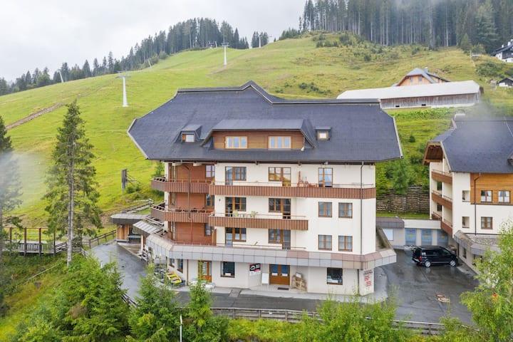 Cosy Apartment in Sonnenalpe Nassfeld in Skiing Region