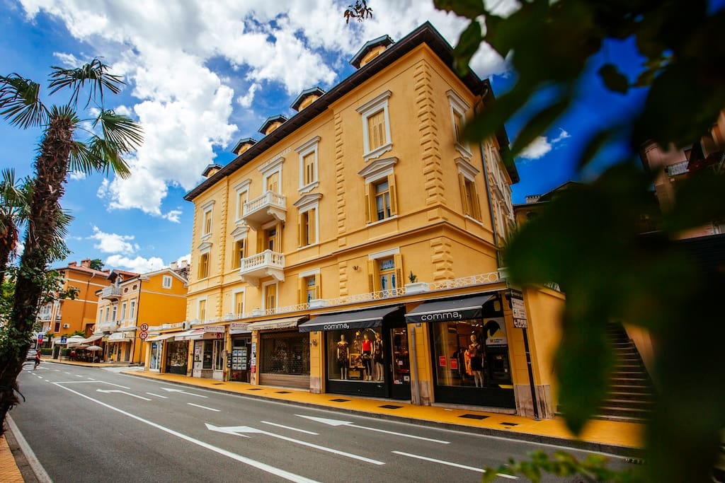 One-Bedroom-Apartment - Villa Herkules on the main street in Opatija