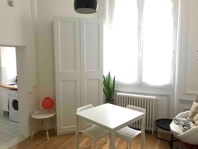 Cosy studio at the heart of Paris - Av. Montaigne