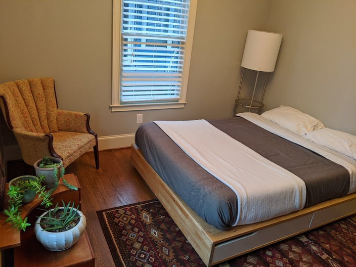 Comfortable Room in a Gorgeous St Elmo Craftsman