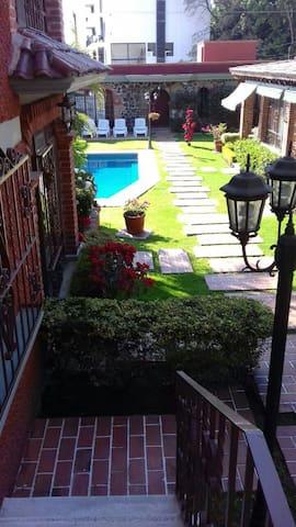 Confortable Bungalow w/garden&pool - Cuernavaca - Appartement