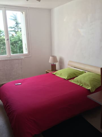 Chambre ensoleillée  Centre Montpellier