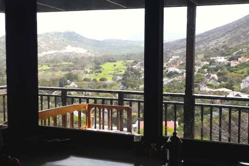 http://capeholidays.info/files/View from kitchen