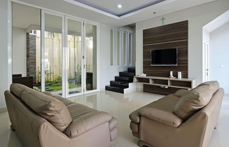 1F - Living Room