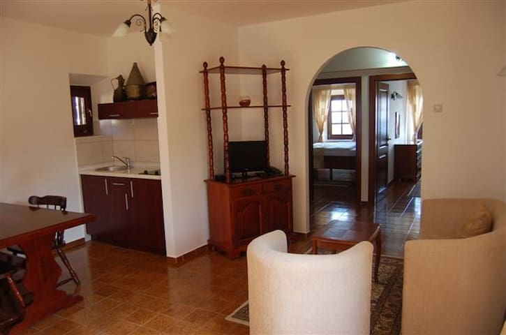 #3# Palata Venezia 4*, Old town Ul - Ulcinj - Bed & Breakfast
