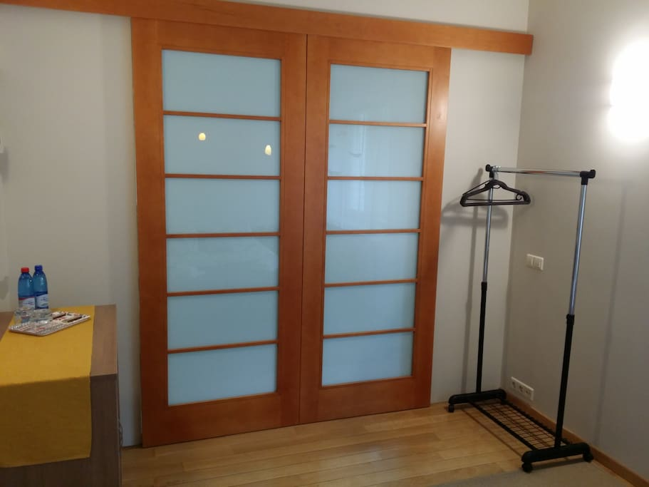 Standard double room clothes rack and cabinet