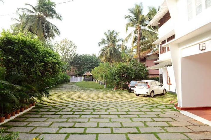 Kaithara Heritage -  Five bedroom evergreen home
